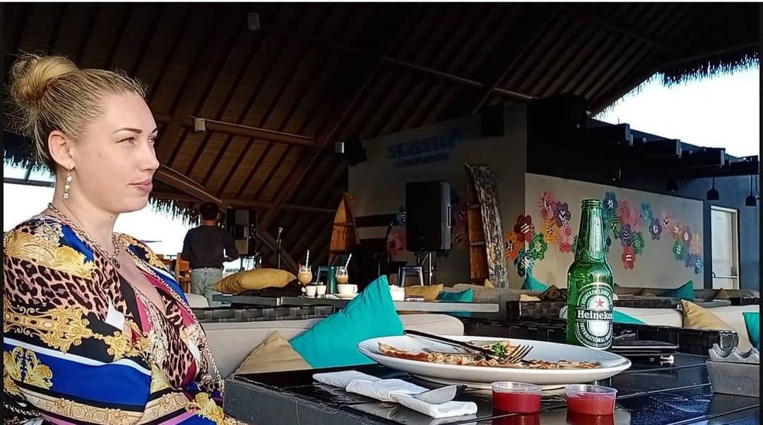(Ilustrasi Orang Asing di Bali) Imigrasi Indonesia mengeluarkan Surat Edaran yang mengatur ijin tinggal arnag asing selama era new normal. Foto: Lintasnusanews.com/Boy Edlon