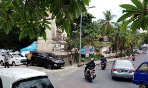 Pantai Kuta Bali resmi dibuka pada hari pertama penerapan new normal di Bali, Kamis (09/07/2020). Foto: Lintasnusanews.com/Boy Edlon