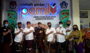 KPUD Badung dan Pengurus SMSI Bali foto bersama usai silaturahmi, KPU Badung akan minta rekomendasi SMSI Bali dalam sosialisasi Pilkada serentak 2020. Foto: Lintasnusanews.com/Dok.SMSI Bali