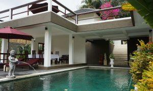 Kolam renang Villa Puri Beji Penarungan Bali dengan pemandangan tepi sungai. Manajemen Villa menawarkan diskon harga sambut new normal. Foto: Lintasnusanews.com/Dok.Grya Pratama