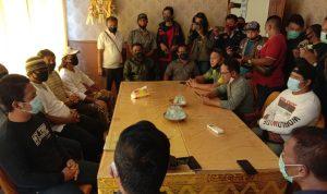 Pengurus dan kader Golkar Kabupaten Badung saat mengundurkan diri di Kantor DPD Golkar Bali, Senin (07/09/2020). Foto: Lintasnusanews.com/Istimewa