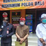 Direskrimum Polda Bali, Kombes Pol. Dodi Rahmawan didampingi Wakajati Bali, Asep Maryono saat jumpa pers di Mapolda Bali setelah geeldah rumah Tri Nugraha, Rabu (02/08/2020). Foto: Lintasnusanews.com/Istimewa