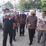 Menkop UKM Teten Masduki saat mengunjungi Kopdit Pintu Air Maumere. Foto: Lintasnusanews.com/Karel Pandu
