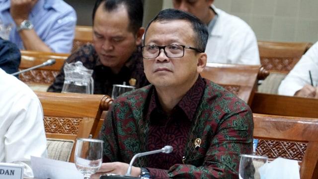 Menteri Kelautan dan Perikanan Edhy Prabowo saat Raker Komisi IX DPR RI, Jakarta (12/2). Edhy dikabarkan menangkap Edhy saat pulang dari Amerika. Foto: Kumparan/Helmi Afandi
