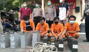Komplotan pencuri baterai tower yang diringkus Polsek Denpasar Selatan. Foto: Lintasnusanews.com/ASgung Widodo