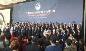 Para Menteri Luar Negeri dan utusan BDF foto bersama pada BDF tahun 2018 lalu. Pelaksanaan Bali Democracy Forum tahun 2020 digelar secara virtual. Foto: Dok Lintasnusanews.com