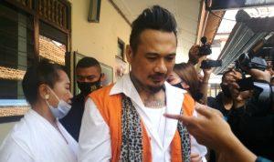 Jerinx SID usai menerima hukuman vonis di PN Denpasar. Foto: Dok.Lintasnusanews.com