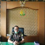 Kasi Intel Kejari Denpasar, Kadek Hari Supriyadi saat menjelaskan test swab pegawai. Foto: Lintasnusanews.com/Agung Widodo