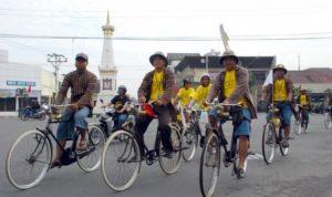 Warga Jogja diajak bersepeda untuk menekan polusi udara, dengan kampanye Jogja Lebih Bike. Foto: Sahabat UGM
