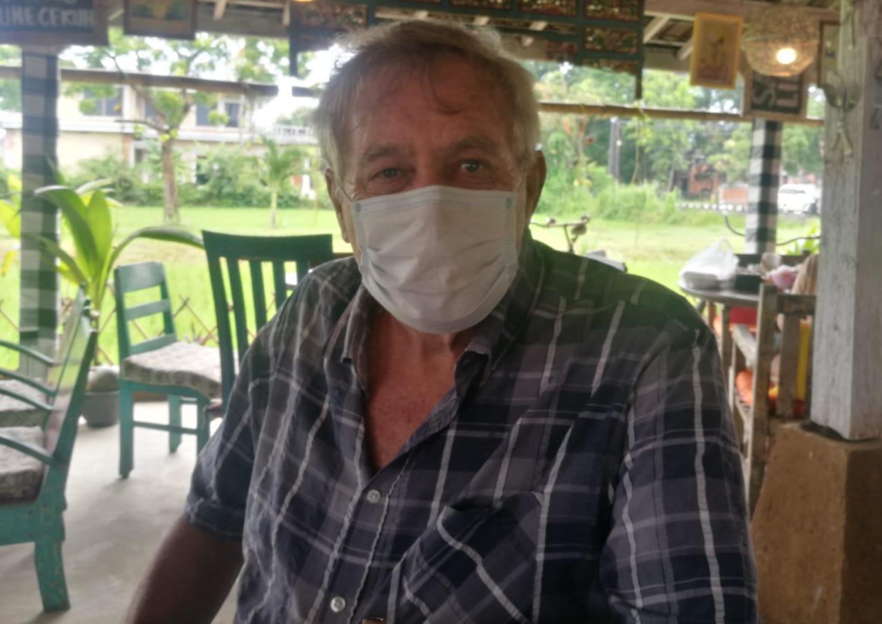 Bule Jerman berinisial HNH yang melaporkan oknum pengacara di Bali melalui kuasa hukumnya. Foto: Istimewa