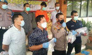 Poltak P Manihuruk ditangkap Polresta Denpasar karena menjadi mucikari menjajakan Bule perempuan asal Uzbekistan melalui prostitusi online di Bali. Foto: Lintasnusanews.com/Agung Widodo