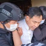 Mantan Sekum FPI Munarman saat ditangkap Densus 88 Antiteror, Selasa (27/04/2021). Foto: Istimewa