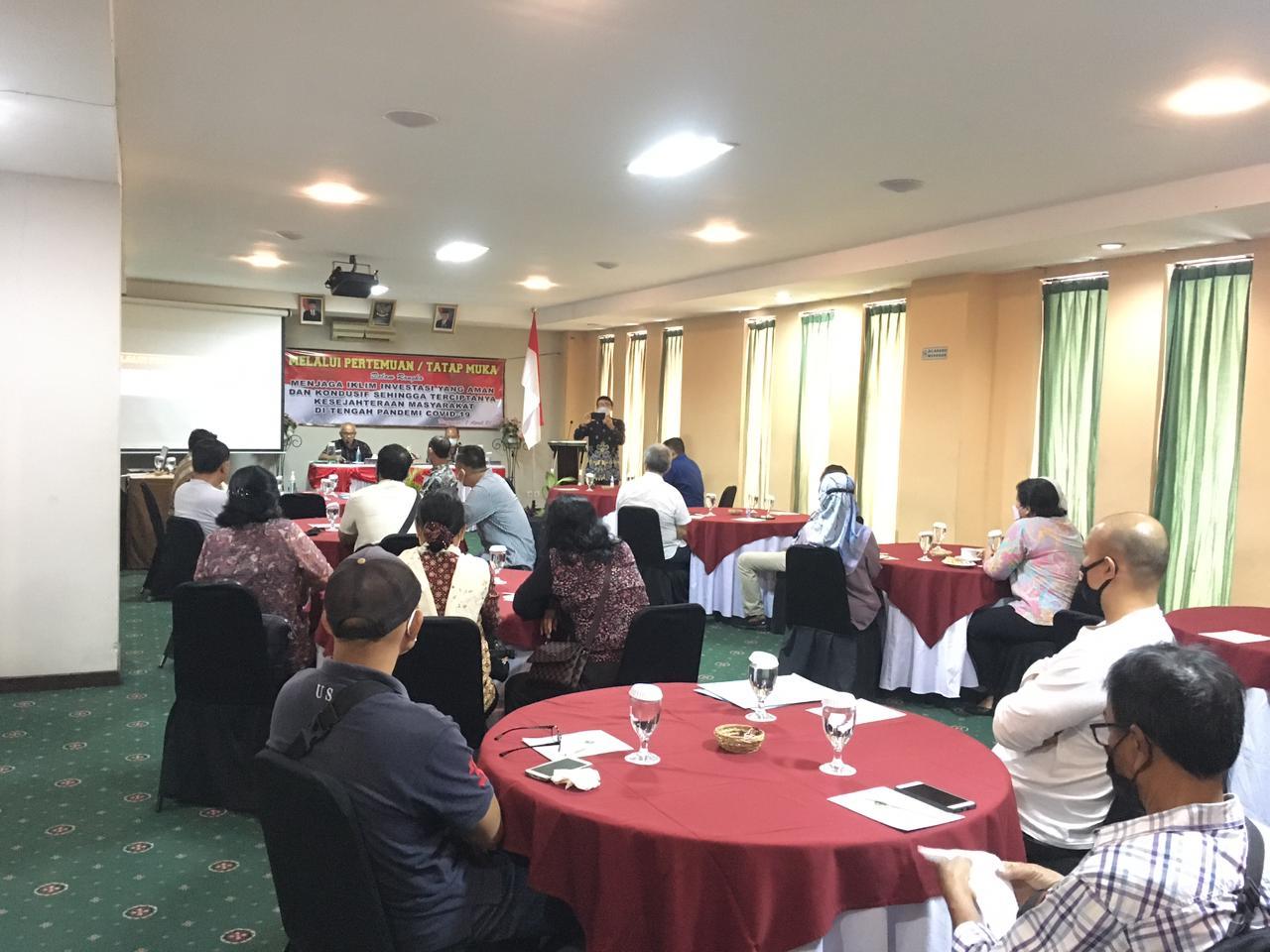 Nasabah Asuransi Bumi Putera temui manajemen AJBP di Bali. Foto: Lintasnusanews.com/Agung Widodo