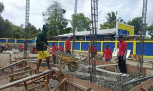 Proses pembangunan SPBU Pintar Asia milik KSP Pintu Air Maumere di Kecamatan Nita. Foto: Dok. KSP Pintu Air