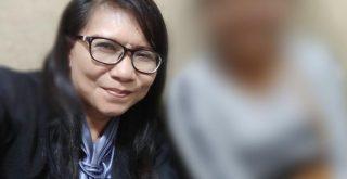 Aktivis Perempuan dan Anak, Siti Sapurah alias Ipung saat mendampingi salah satu korban pemerkosaan. Ipung mengecam perbuatan oknum P2TP2A Lampung Timur yang memperkosa korban pemerkosaan. Foto: Lintasnusanews.com/Widodo